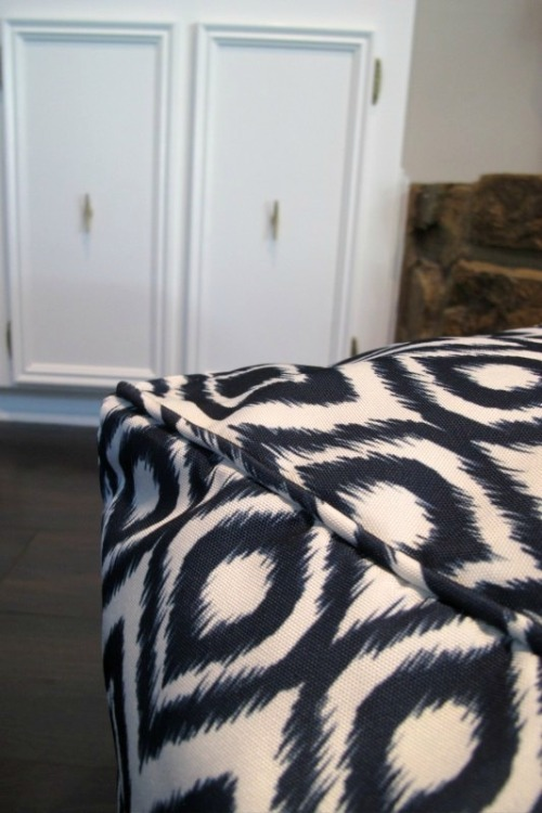 blue and white pouf