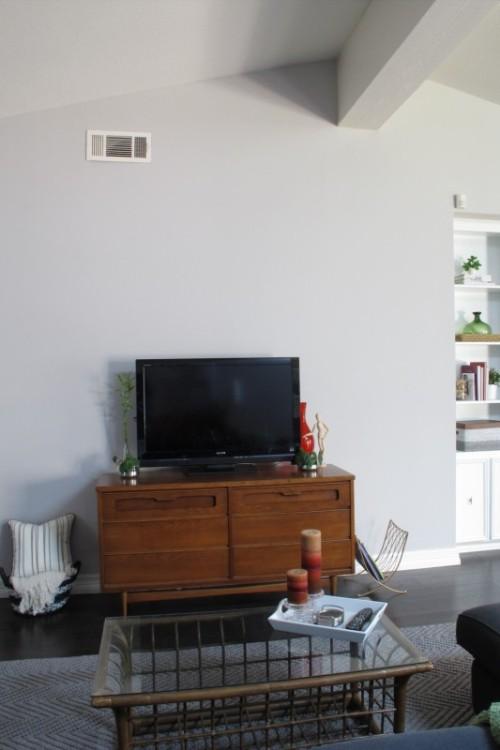blank tv wall